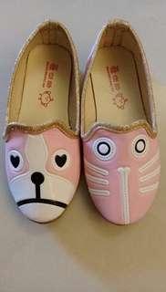 🚚 粉紅色的貓狗鞋