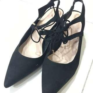 Brand new black shoe