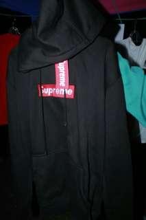 Jaket supreme baru