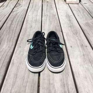 Nike Janoski size us 5