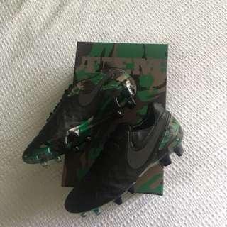 Nike Tiempo Legend VI SE FG (US 8.5)