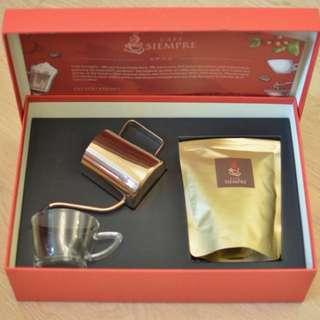 農曆新年送禮一流 咖啡禮盒套裝 一盒為一套 一盒賣$300 買5送1 總共有80盒左右 whatsapp:55117737