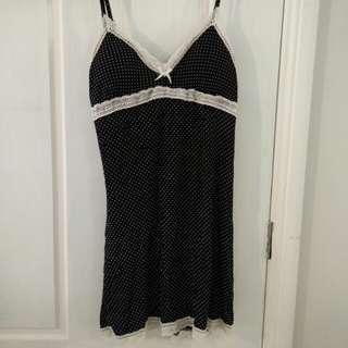 Black polka-dot nightie