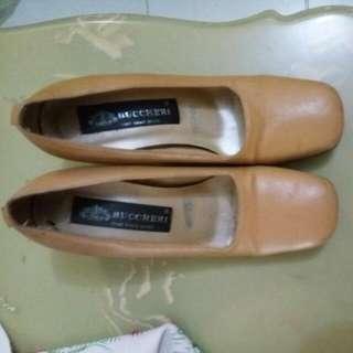 Sepatu Buccheri Size 37