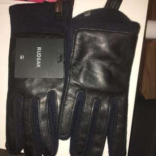 Authentic rudsak gloves