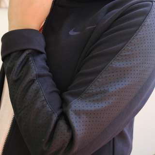 Nike Zip Up Hooded Jacket