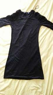 Dress hitam,lengan kerut.no defect