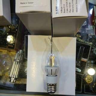 台灣製LED2.5瓦黃色燈泡附E27接座(150流明)38元限來店買點我頭像看店址和上千種商品