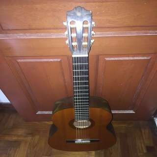 Yamaha guitar c/w free delivery
