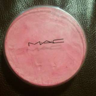 MAC chromacake in pink vivid
