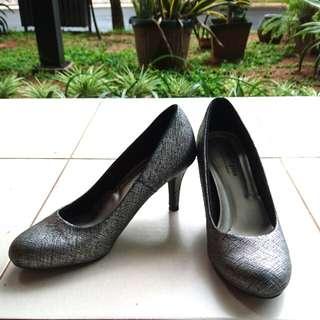 Pump heels from Payless