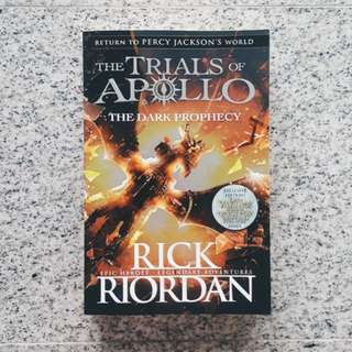 the trials of apollo: the dark prophecy - rick riordan [BRAND NEW]