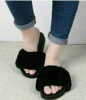 Sandal wanita slop bulu