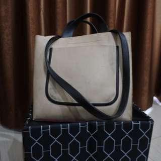 Monochrome handbag (ada strap untuk selempang)