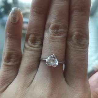Arte heart shape crystal ring