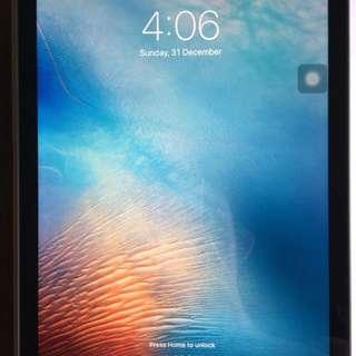 iPad Pro, 9.7 inch, 32gb, WiFi, Rarely USED 😁