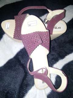 Wedges maroon