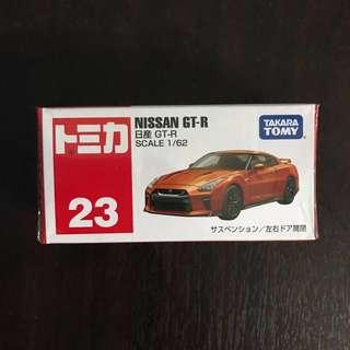 Tomica Nissan GTR