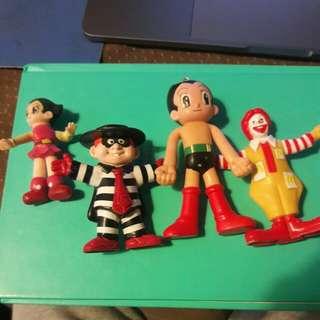 🚚 復古塑膠人偶約9~10cm左右,麥當勞叔叔已賣出,其餘合購為450