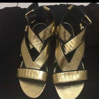 全新LV金色羅馬涼鞋(size 36.5)