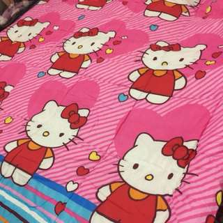 Comforter hello kitty