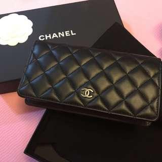Chanel Classic 羊皮 wallet
