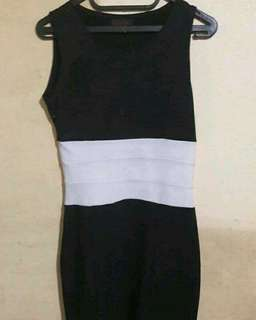 black dress bodycon