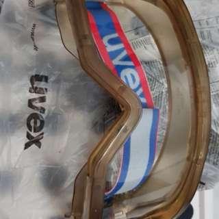 Uvex Goggle