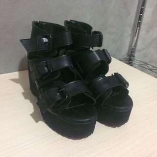 🚚 黑色高跟涼鞋 (尺碼23.5)