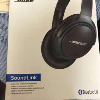 Bose Soundlink Around-ear Wireless Headphone II