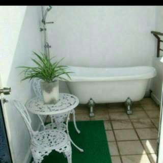 Southern Comfort Claw Footed Bathtub