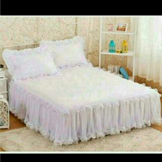 King Size Lace Bedsheet With 2 Pillow Cases