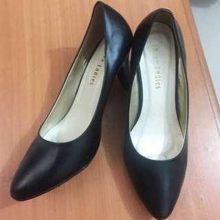 3 ladies heels