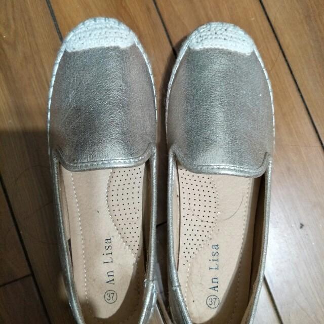 金色平底編織鞋