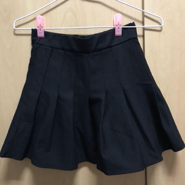 黑色百褶裙 (褲裙)