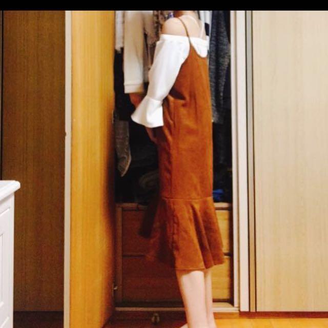 韓版咖啡細肩帶洋裝。 穿三次。 原価980元