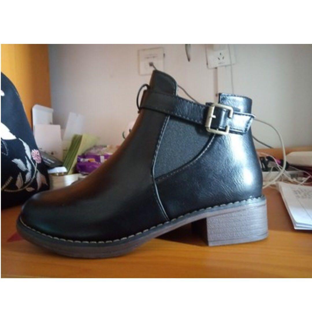 黑色短靴 春秋冬 新款 百搭粗跟中跟 馬丁靴 裸靴 圓頭 百搭 短靴 女 靴子 全新 36號