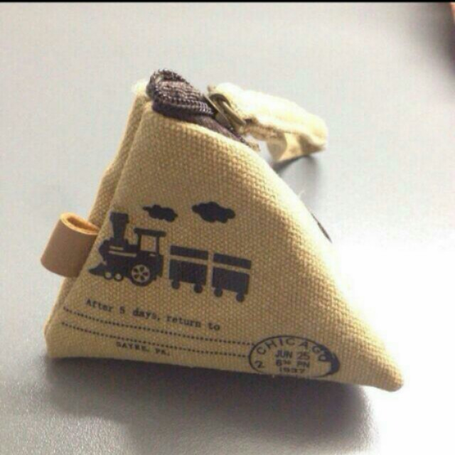 🆕 Little Triangle Pouch