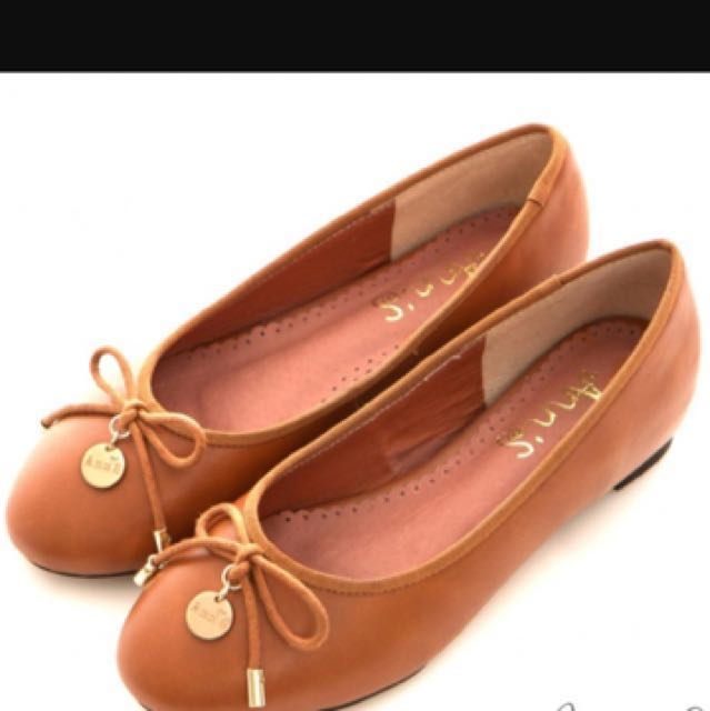Ann'S經典舒適-小金牌蝴蝶結內增高娃娃鞋 棕 - 37降價