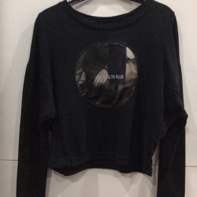Black Zara cropped sweater