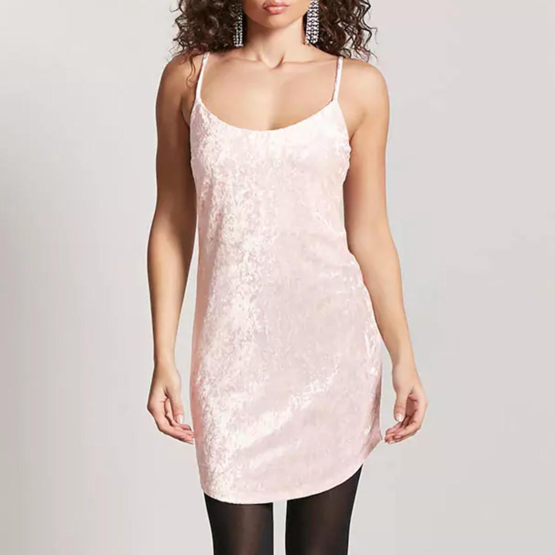 4361d94300bb BNWT🎉 F21 Crushed Velvet Cami Dress in Light Pink