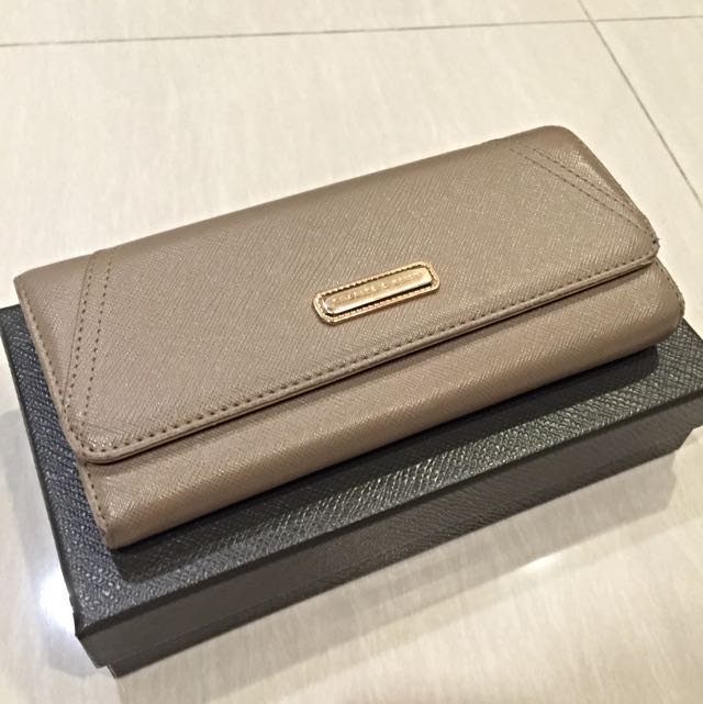 Dompet Original Charles & Keith