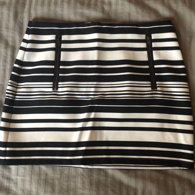 Dotti Skirt Size 10