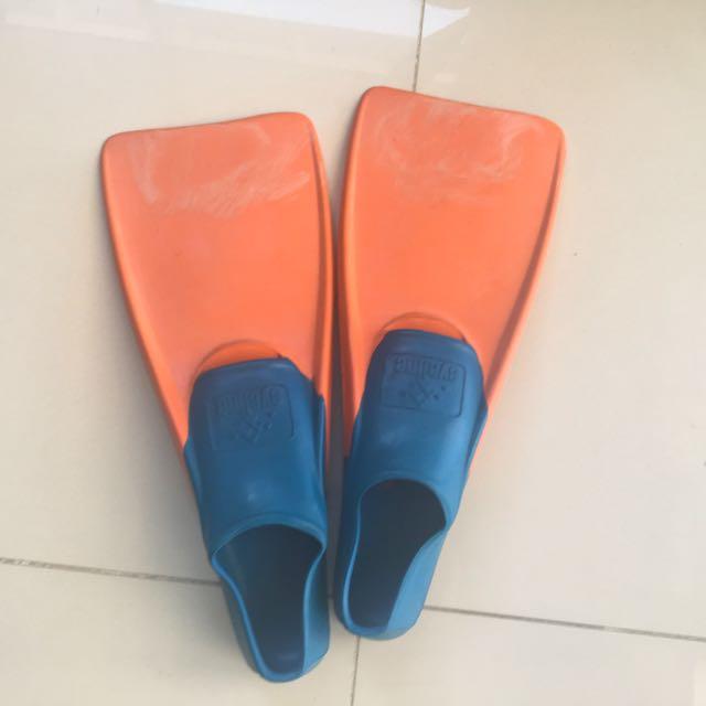 Flippers Size 11-1 Kids