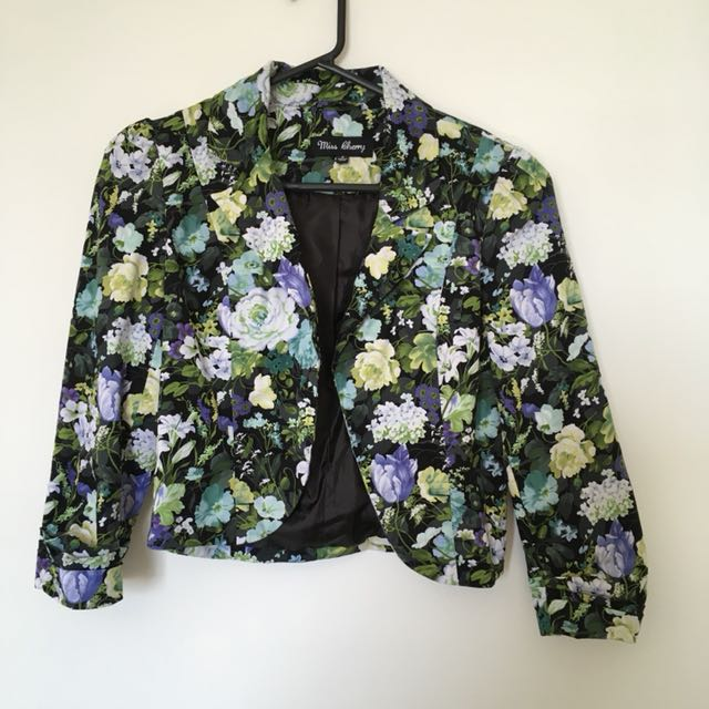 Floral crop jacket/blazer