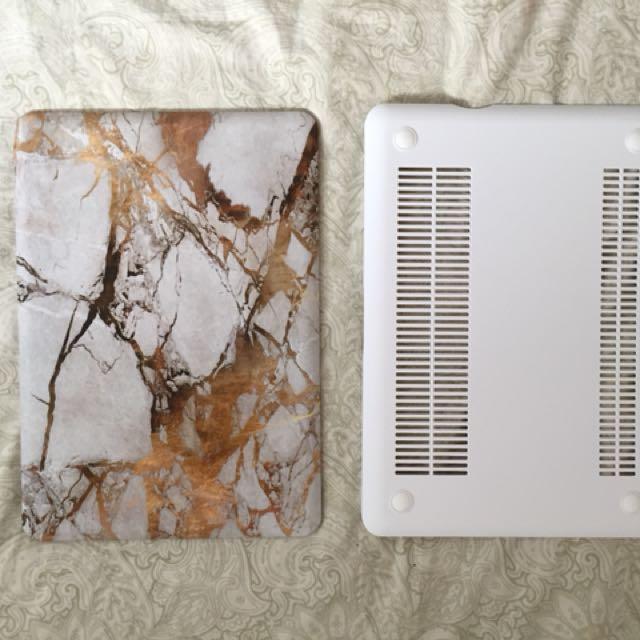 "Grey & Gold Marble MacBook Pro 13"" Case"