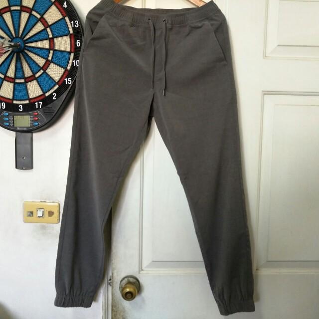 免運,日本GU灰色修身休閒縮口褲,S號,29腰附近參考