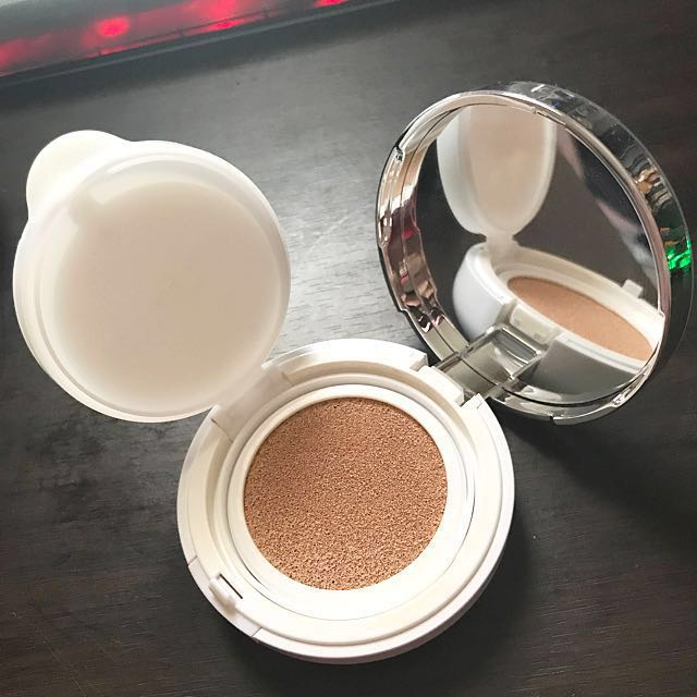 IOPE M13 matte light vanilla Air cushion spf50+