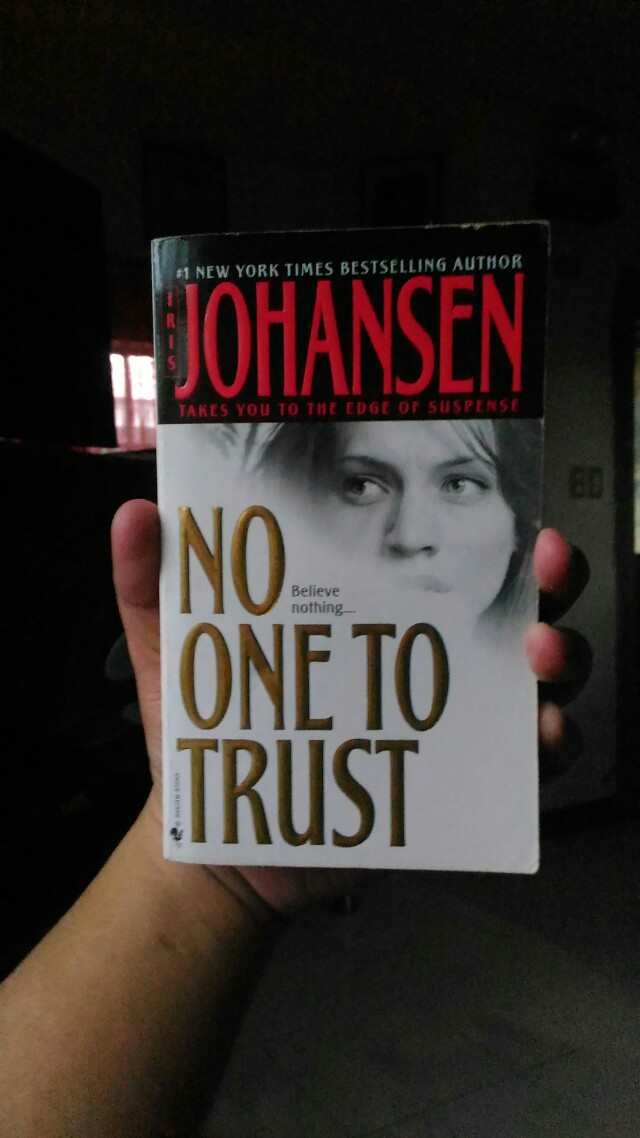 Iris Johansen - No One to Trust