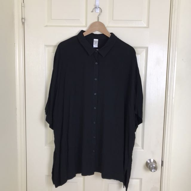 Lightweight Black Button Up Shirt - Size 24 (XL)